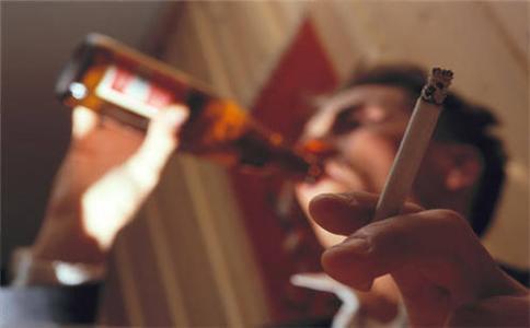 高血压不能喝酒抽烟