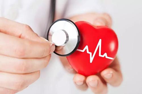 高血压是怎么引起的