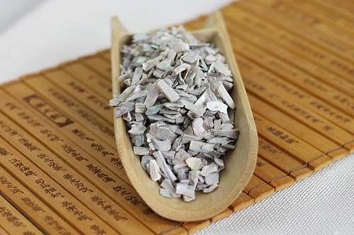 降血压的中草药石决明可以改善头晕头痛