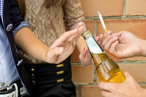 高血压喝酒的利与弊