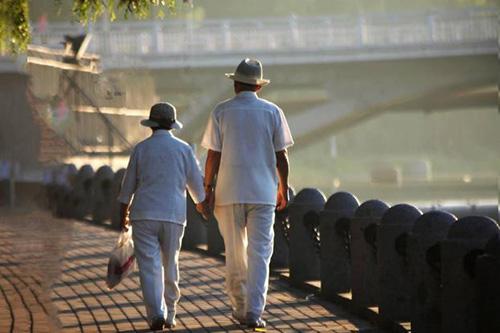 高血压患者散步