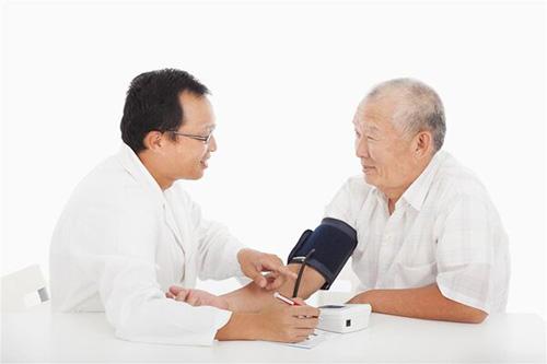 高血压患者夏季别随意停药