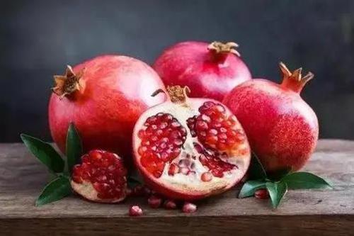 高血压不宜吃6种水果-石榴