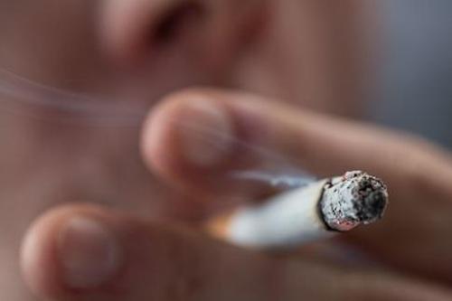 高血压要戒烟戒酒